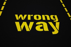 photodune-1220998-wrong-way-xs
